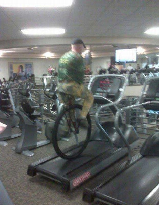monocycle-sur-tapis-roulant