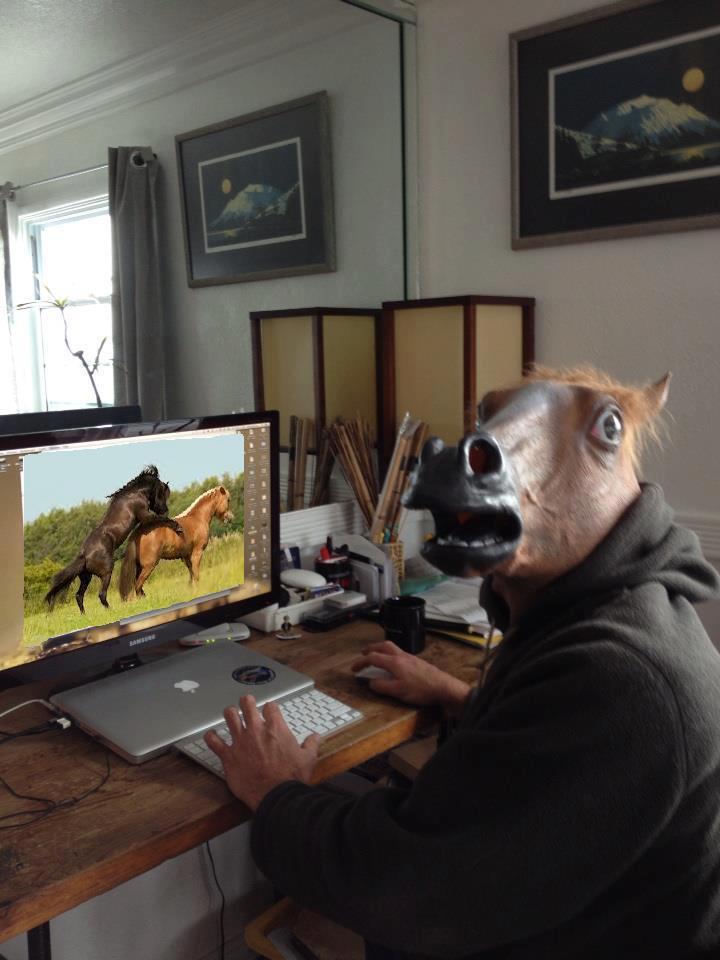 horseman-regarde-porno