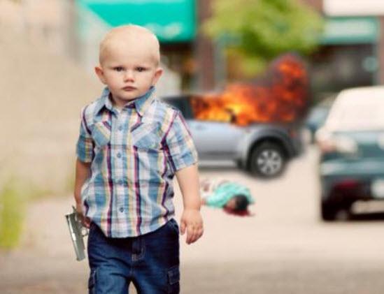 Image Un bébé avec un pistolet, façon film