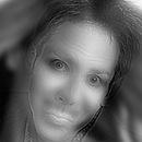 image plissez-yeux-voir-tete-fille