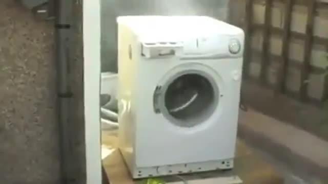 harlem shake avec une machine laver. Black Bedroom Furniture Sets. Home Design Ideas