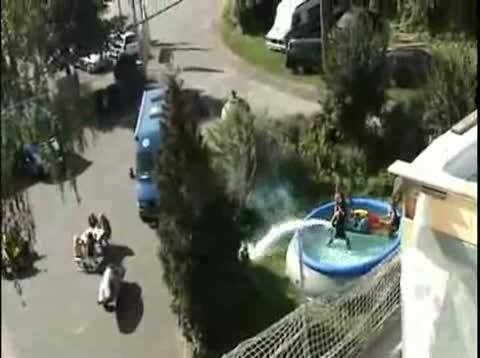 Vider une piscine avec un jetski - Vider une piscine ...