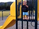 Chute d'un enfant dans une aire de jeux