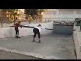 Du roller sur une rampe de parking