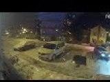 Une voiture fait 2 coeurs dans la neige